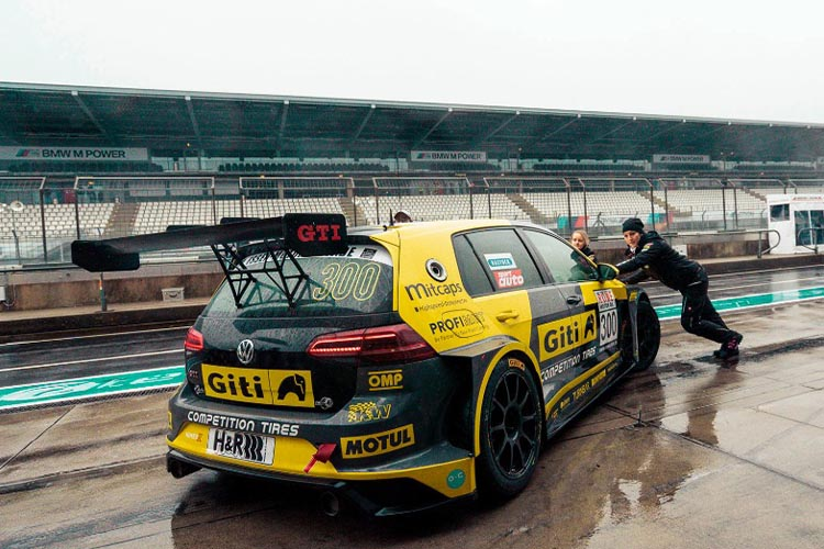 24 Hrs de Nürburgring más de 25 kilometros de pista