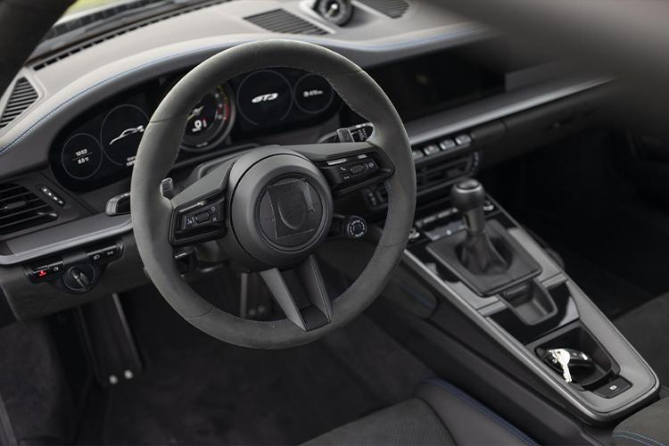 992 Porsche 911 GT3 2021 rendimiento diseño
