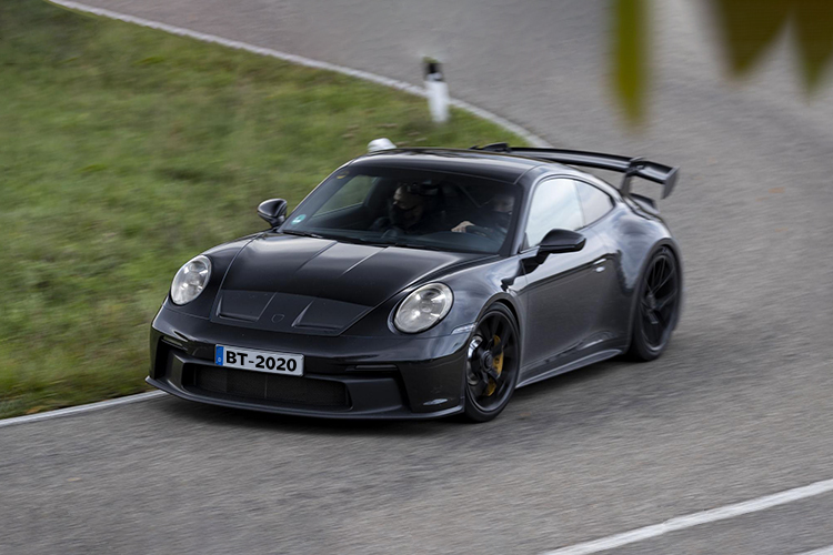 992 Porsche 911 GT3 2021 tecnología innovaciones