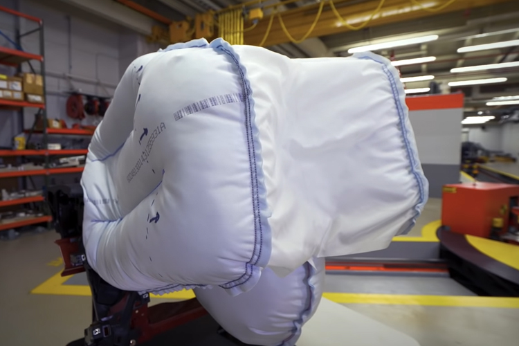 Acura desarrolla nuevo airbag dividido en 3 secciones