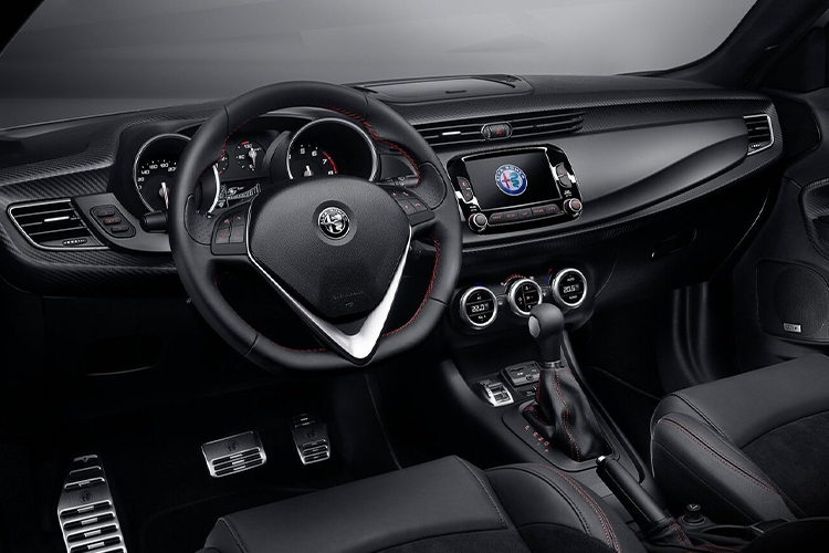 Alfa Romeo Giulietta 110 Edizione sistema de infoentretenimiento