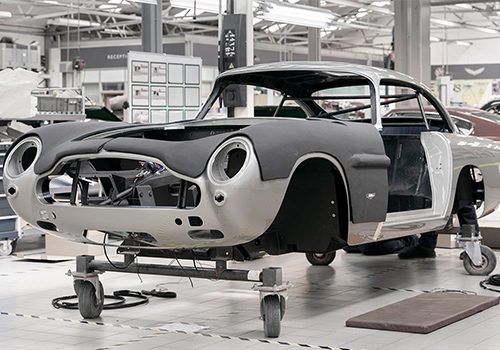 Aston Martin DB5 Goldfinger Continuation equipamiento