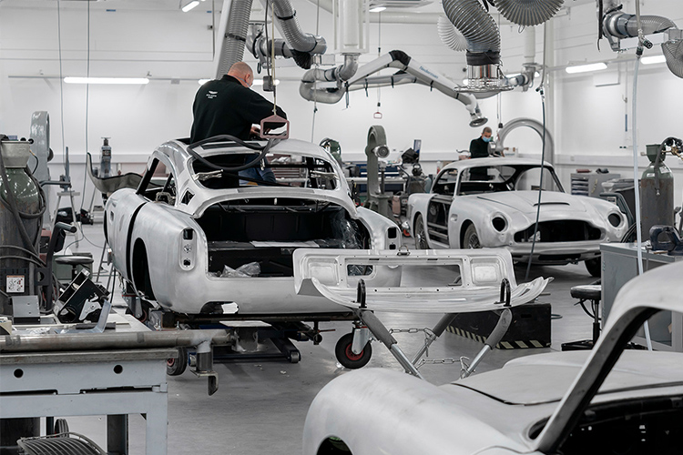 Aston Martin DB5 Goldfinger Continuation vehiculo clásico