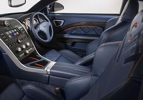 Aston Martin Vanquish 25 con pantalla táctil