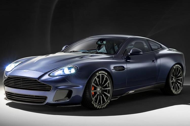Aston Martin Vanquish 25 sistema de infoentretenimiento