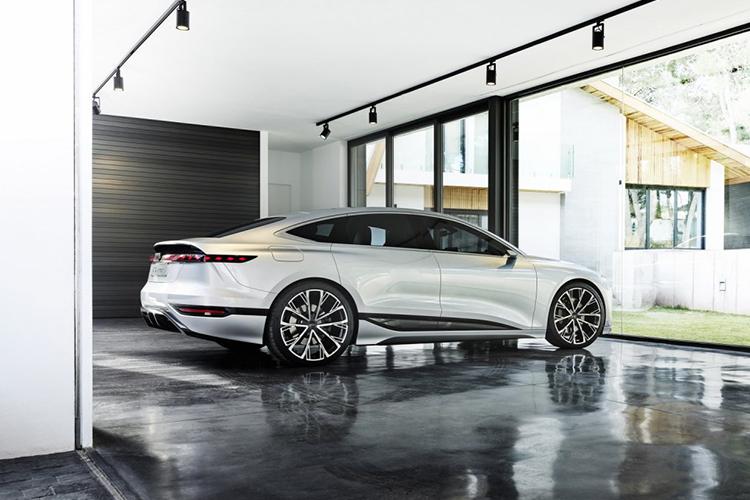 Audi A6 e-tron concept car carrocería desempeño