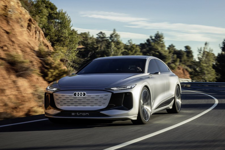 Audi A6 e-tron concept car tecnología desempeño diseño rendimiento sedán