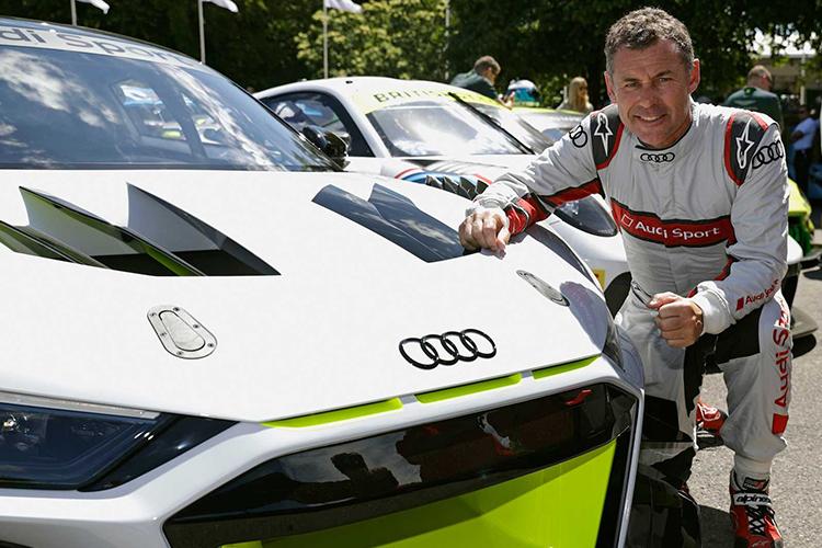 Audi R8 LMS GT2 motor v10