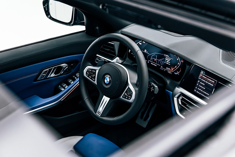 BMW M340i xDrive Touring First Edition diseño interior