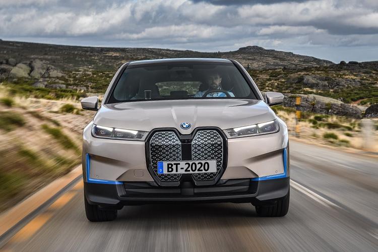 BMW iX 100% eléctrico diseño