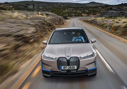 BMW iX 100% eléctrico mas de 600 km de autonomía