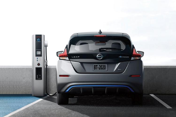 BMW y Nissan con nueva estaciones de carga en Google Maps - modelos estación de carga