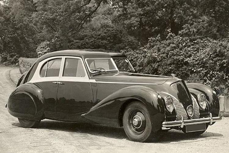 Bentley Corniche replica exacta modelo histórico