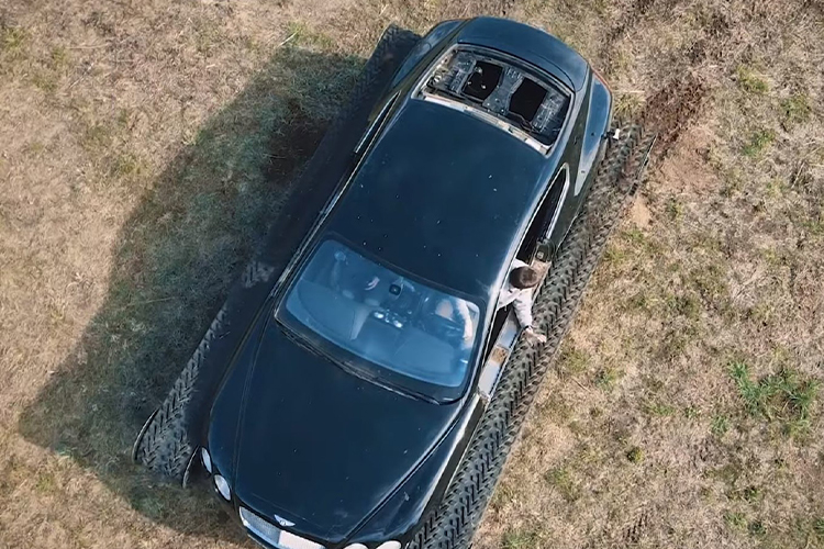 Bentley ultratank vehiculo modificado sin puertas parachoques ventana