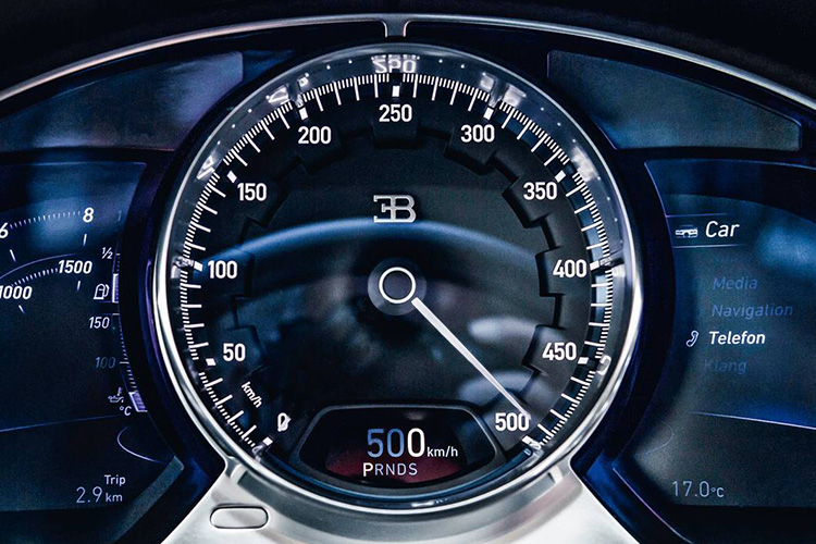 Bugatti Chiron record en velocidad velocimetro