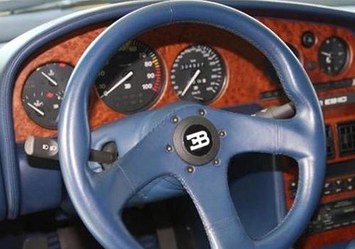 Bugatti EB 110 interior volante