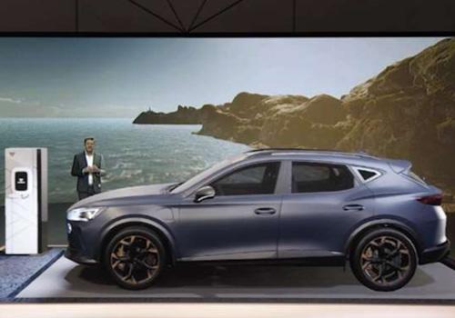 nuevas estrategias, incluyendo al eléctrico Born diseño nuevos modelos exclusivos hibridos y electricos