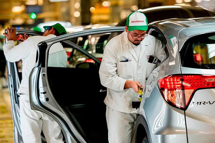 semiconductores en Norteamérica afecta 65 modelos de autos fabricación de vehiculos