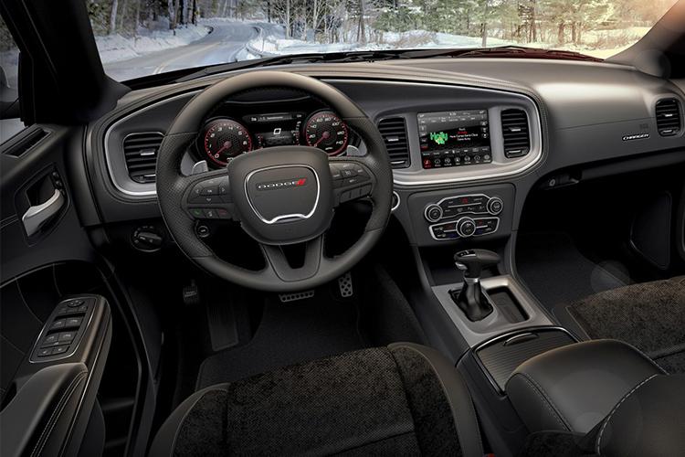 Dodge Charger GT AWD sistema de infoentretenimiento