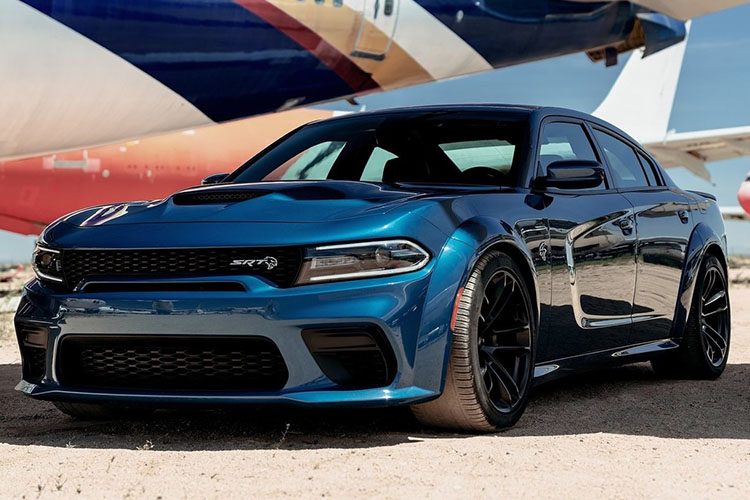 Dodge Charger SRT Hellcat Widebody vehiculo 707 caballos de fuerza