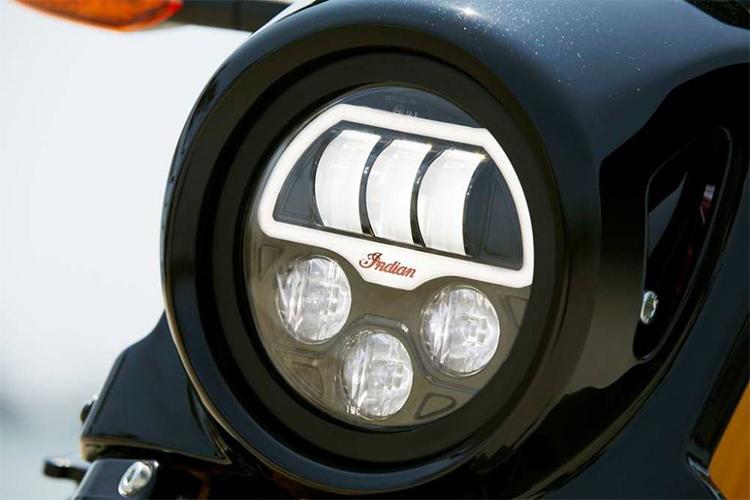 INDIAN FTR 1200 ILUMINACION LED