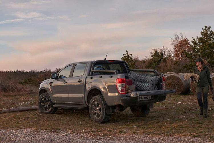 Ford Ranger Wolftrak y Stormtrak ediciones especiales espacio acabados diseño