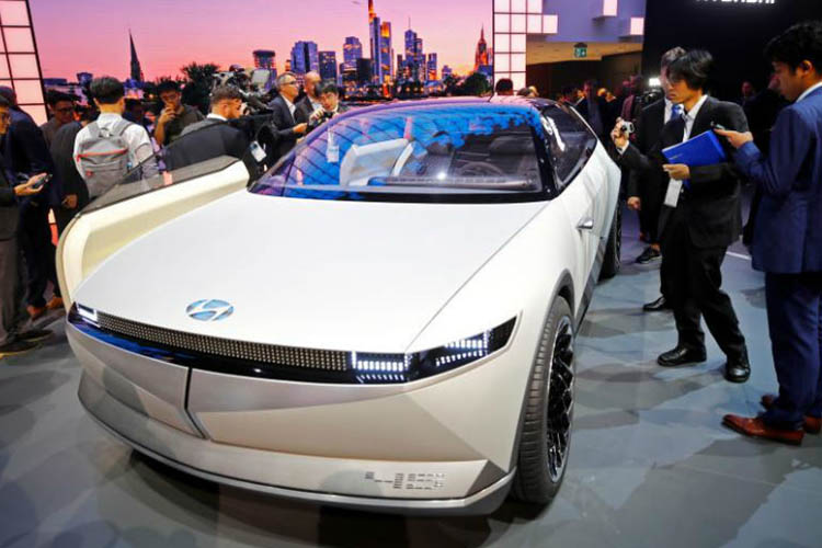 Hyundai 45 faros led IAA 2019 exhibición