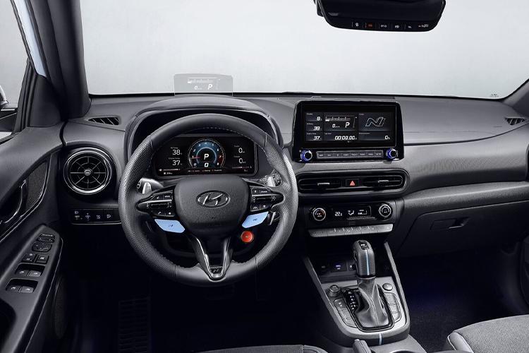 Hyundai Kona N deportivo sistema de infoentretenimiento tecnología