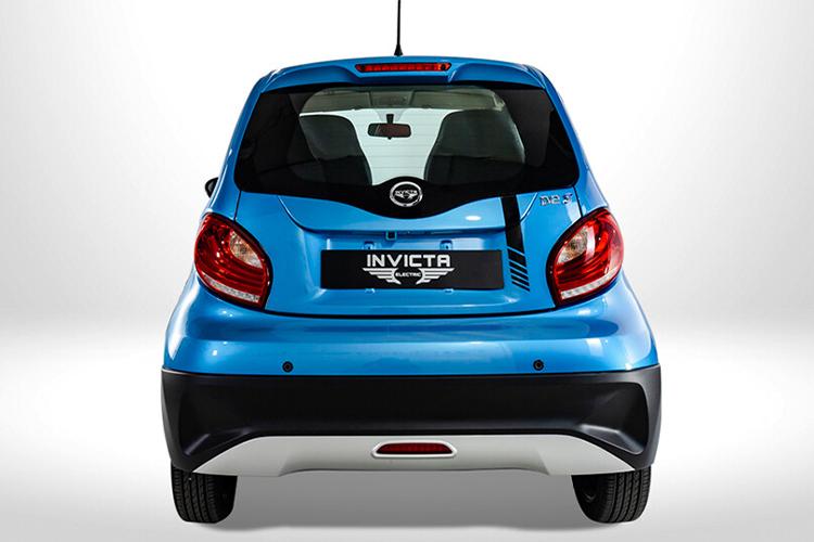 Invicta Electric D2S totalmente eléctrico innovaciones diseño autonomia potencia