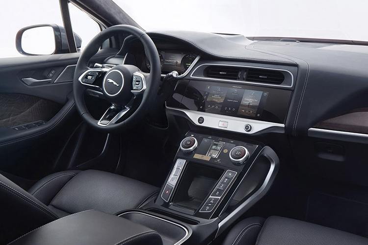 Jaguar I-Pace EV320 sistema de infoentretenimiento
