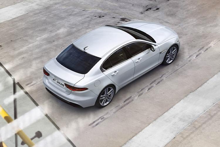 Jaguar XE 2021 carrocería