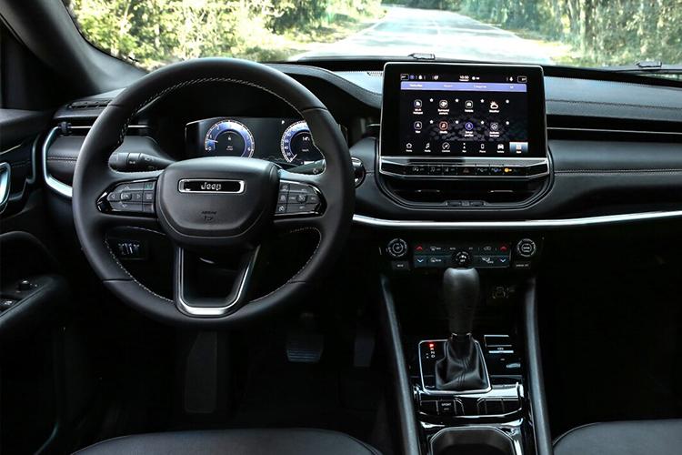 Jeep Compas 2022 rediseñado con variante híbrida interior sistema de infoentretenimiento