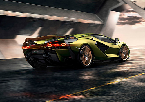 Lamborghini Sian superdeportivon con supercondensador para cargar al motor