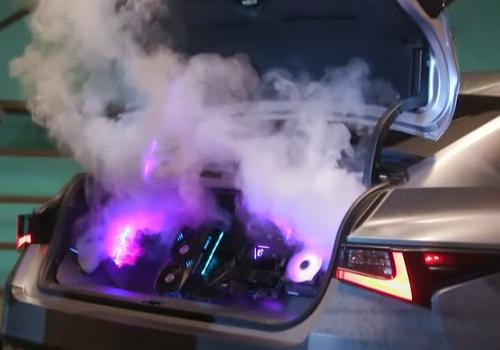 nuevo concept car diseñado por gamers acabados diseño luces RGB humo