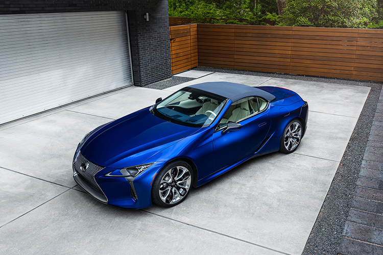 Lexus LC Cabrio Regatta Edition edición especial color exclusivo