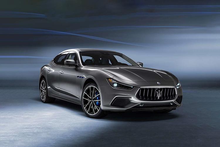 Maserati Ghibli Hybrid 2021 potencia de 325 hp