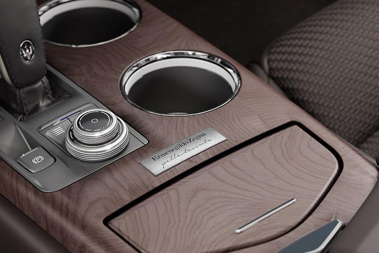 Maserati Zega Pelletessuta emblemas