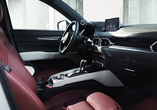 Mazda MX-5 edición especial pantalla táctil