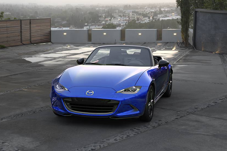 Mazda regala cambio de aceite a personal médico