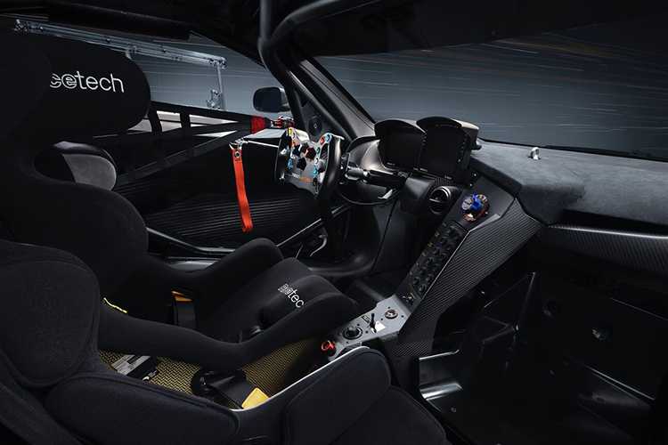 McLaren 720 S GT3X más deportivo interior nueva jaula antivuelcos