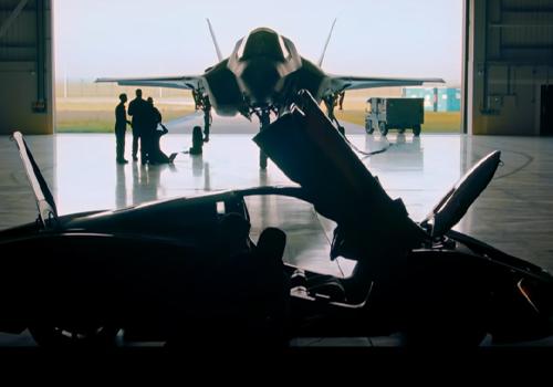a prueba con avion de combate