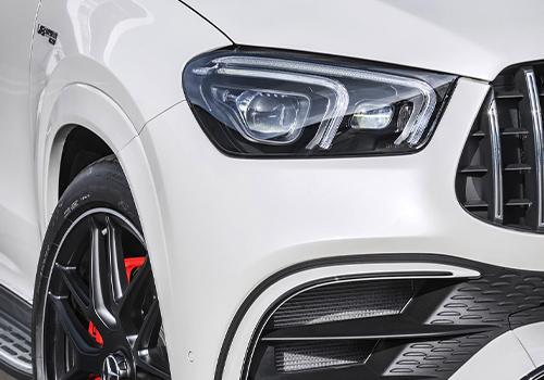 Mercedes-AMG 63 S 4MATIC+ Coupé faros delanteros
