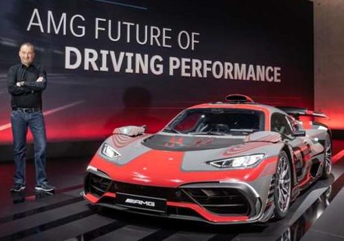 estrena dos modelos, incluyendo con motor V8 hibridos enchufables baterías