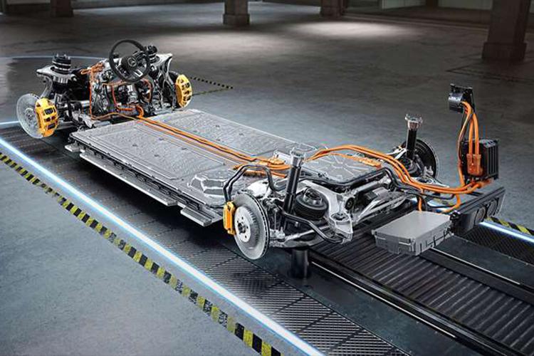 Mercedes-AMG estrena dos modelos, incluyendo con motor V8 plataforma equipamiento carrocería
