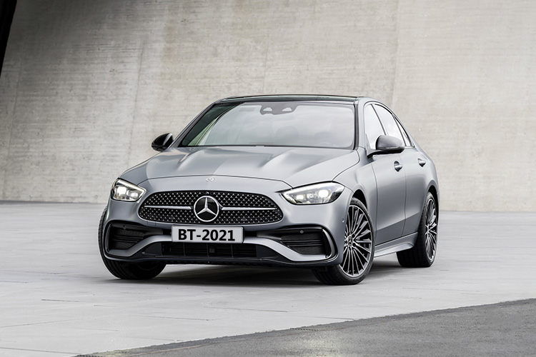 Mercedes-Benz Clase C rediseño y más tecnológico carrocería acabados de lujo