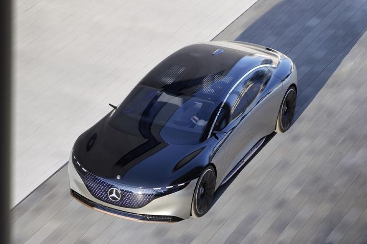 Mercedes-Benz EQS hyperscreen la nueva macro pantalla en el coche eléctrico tecnología innovaciones motor