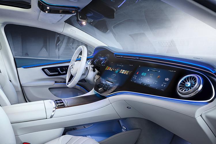 Mercedes-Benz EQS totalmente eléctrico sistema de infoentretenimiento