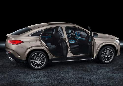 Mercedes-Benz GLE Coupé puertas espacio en interior