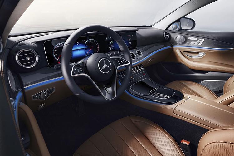 Mercedes-Benz clase E nuevo volante táctil