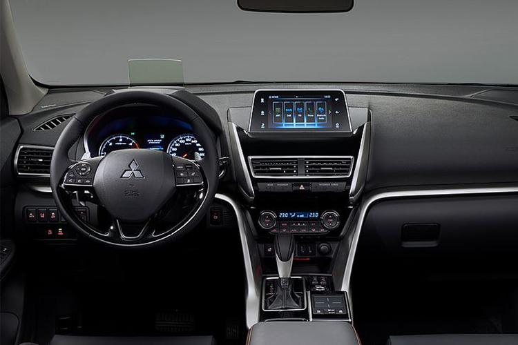 Mitsubishi Eclipse Cross Black Edition sistema de infoentretenimiento
